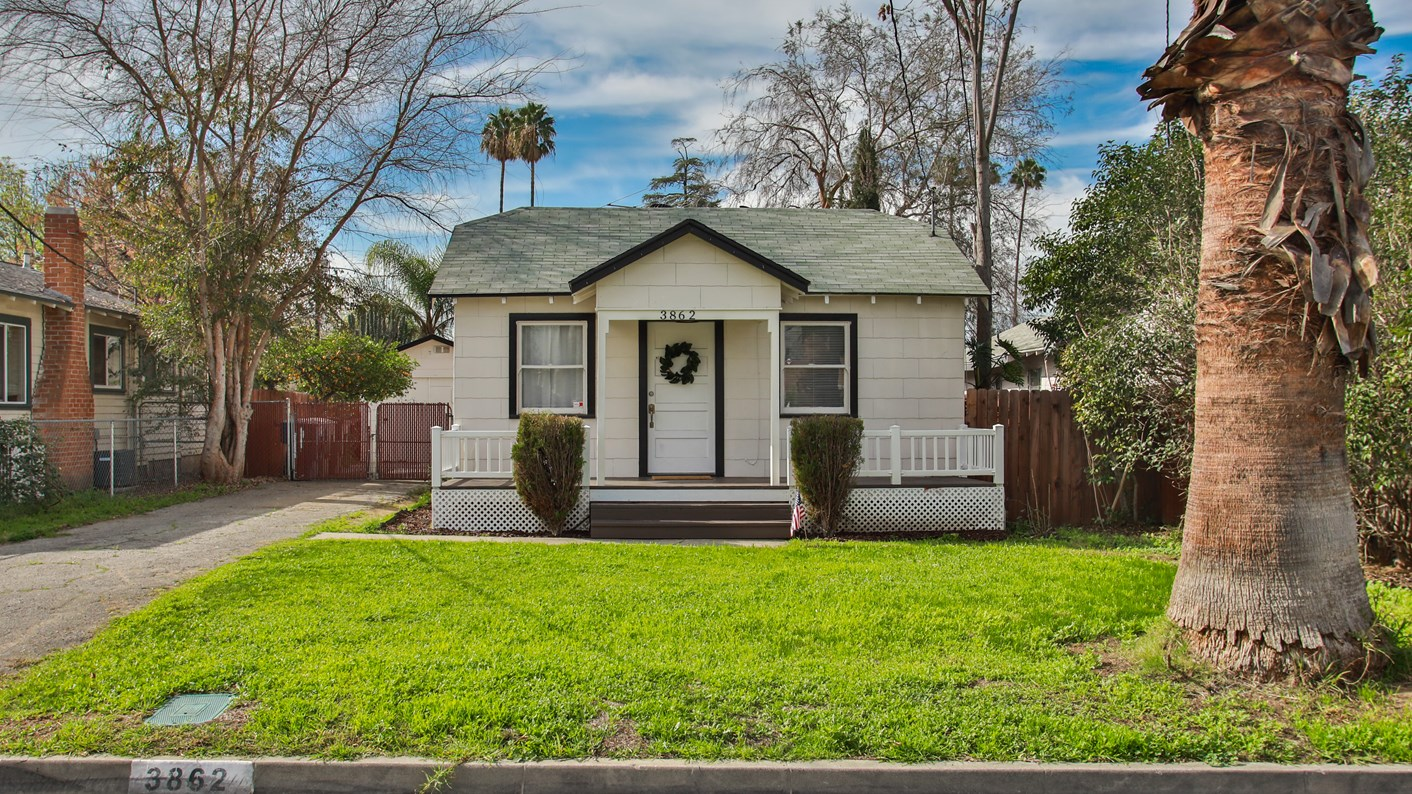 3862 Everest Avenue, Riverside, CA 92503