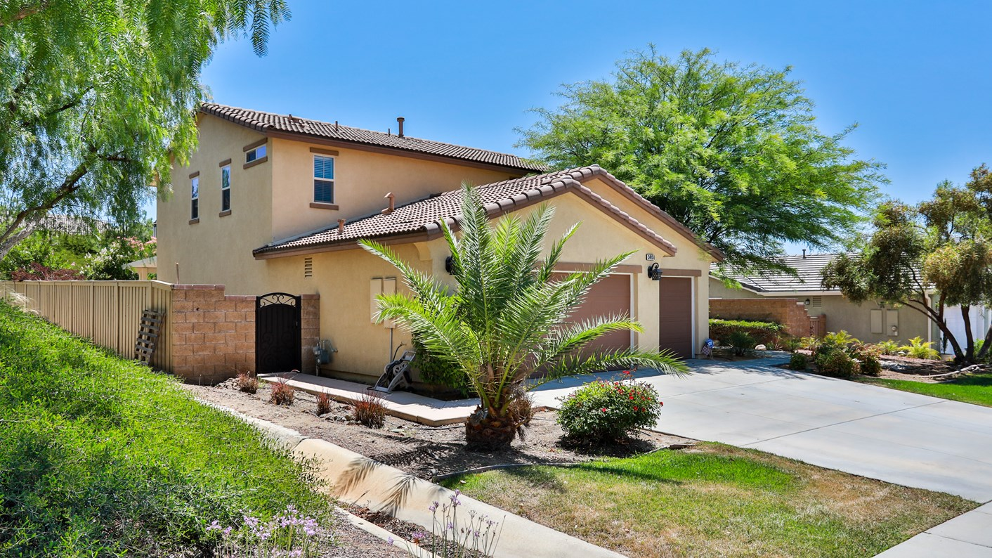 34151 Hillside Drive, Lake Elsinore, CA 92532