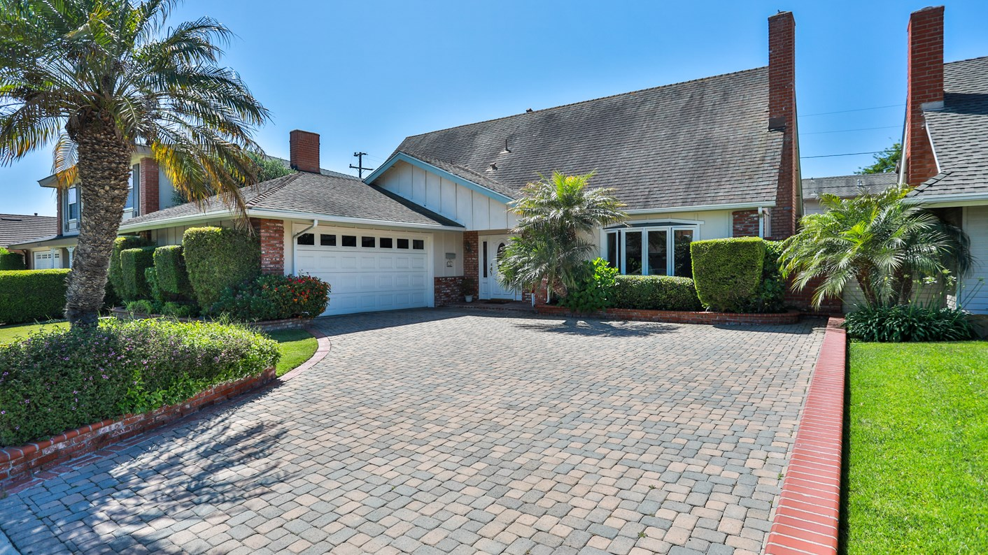 6322 Athena Drive, Huntington Beach, CA 92647